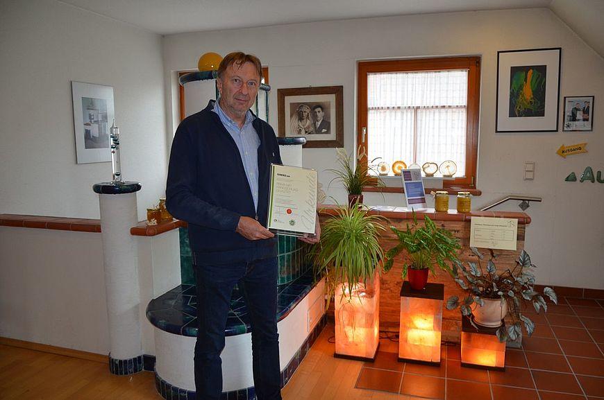 Ivancsics GmbH aus Ollersdorf im Burgenland wird ausgezeichnet als Firma mit Handschlagqualität!