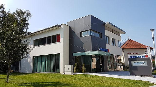 Niederleitner GmbH Dachdecker Spengler Zimmerei - Grieskirchen