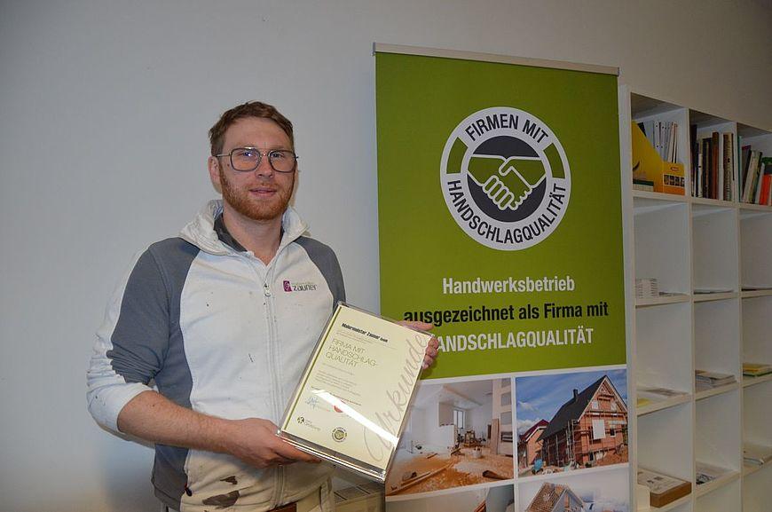 Malermeister Zauner aus Vöcklabruck in Oberösterreich wird ausgezeichnet als Firma mit Handschlagqualität!