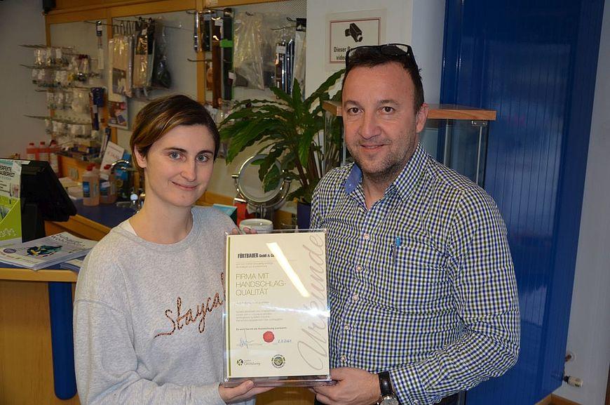 FÜRTBAUER GmbH & Co. KG aus Laakirchen in Oberösterreich wird ausgezeichnet als Firma mit Handschlagqualität!