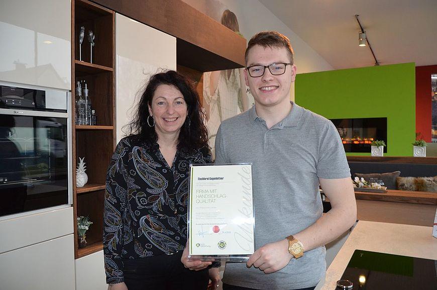 Tischlerei Gegenleitner aus Bad Hall in Oberösterreich wird ausgezeichnet als Firma mit Handschlagqualität!