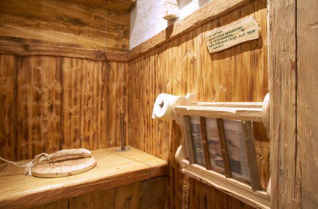 Plumpsklo johannes stockinger der Tischler aus Bad Goisern