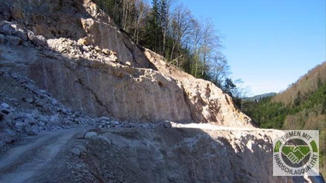 Kronsteiner gmbh transporte steinbruch bei steyr for Rote ziersteine